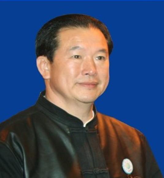 国际易学联合会易经推广专业委员会会长裴翁